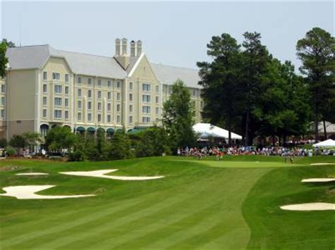 the top 13 best landscaped college golf courses