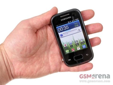 small android phone the smallest of the bunch is here meet the samsung galaxy pocket