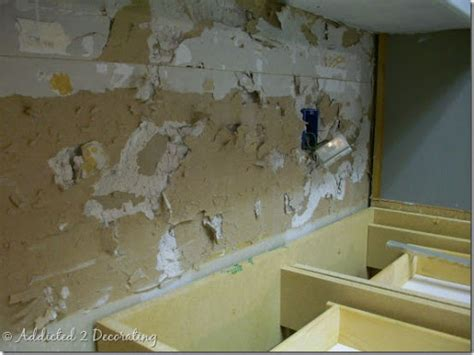 Removing Kitchen Tile Backsplash by How To Remove A Kitchen Tile Backsplash Myideasbedroom Com