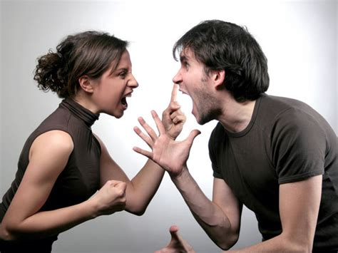 couples fighting things newly marrieds fight about boldsky com