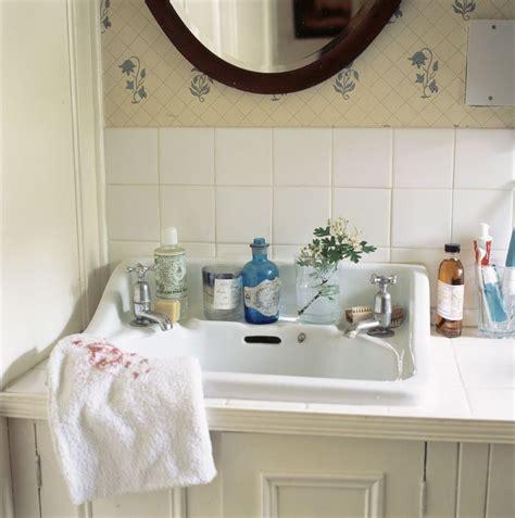 Country Cottage Bathroom Ideas Inspiring Rustic Bathroom Decor Ideas For Cozy Home Style Ideas 16 Apinfectologia