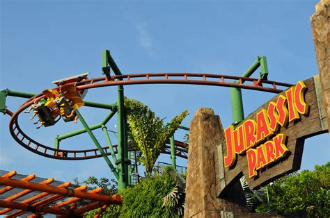 singapore amusement parks pinnacle of entertainment the universal studios singapore sentosa island youtube