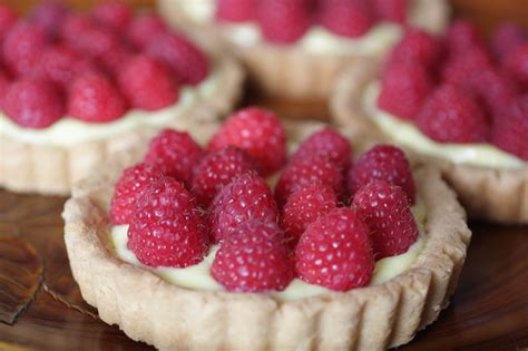recipes with raspberries lemon tart with raspberries recipe dishmaps