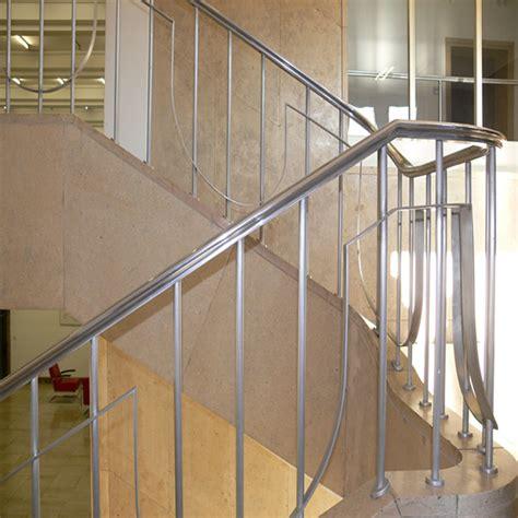 pasamanos de escaleras interiores pasamanos escalera interior barandilla de vidrio con