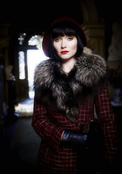 miss fisher hairstyle le style miss fisher en 10 looks miss fisher enqu 234 te