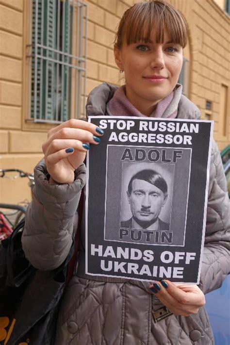 consolato russo a firenze la comunit 224 ucraina protesta davanti al consolato russo
