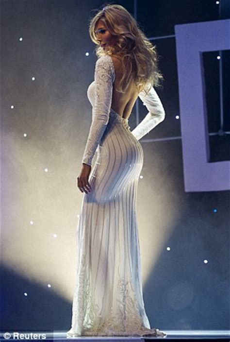 jenna talackova breaks top 12 in miss universe canada 2012 transgender beauty contestant loses out on miss universe