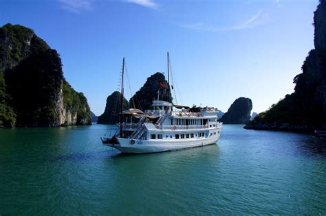 halong bay boat trip special offer 2013 halong bay trip book now savings