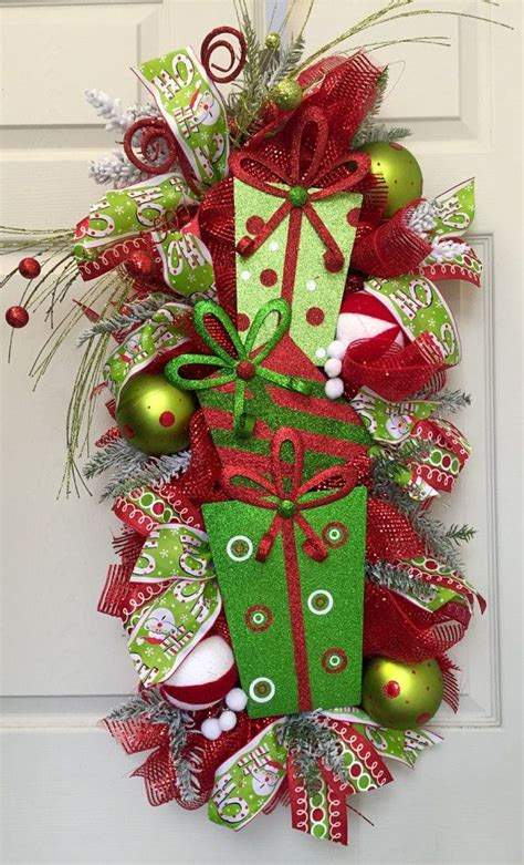swags and wreaths 1000 ideas about swags on