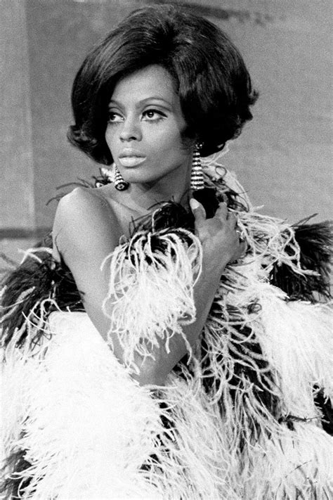 clothing and hair styles of the motown era motown era hair and fashion diana ross s best style