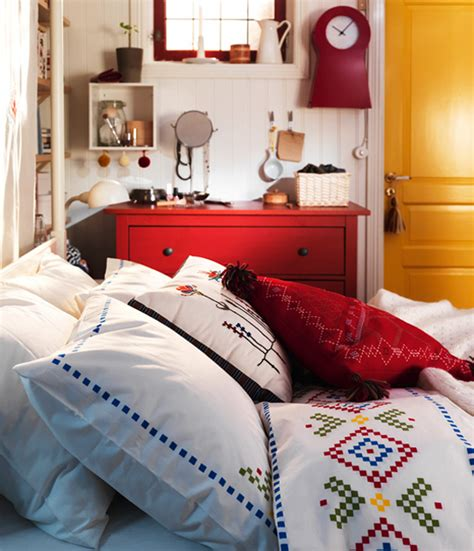 ikea small bedroom ikea bedroom design ideas 2011 digsdigs