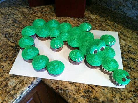 How To Make Mardi Gras Decorations Alligator Cake My Nephew S Mom Made For His Birthday