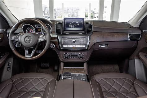 Mercedes Jeep Interior 2016 Mercedes Gle Class Look Motor Trend