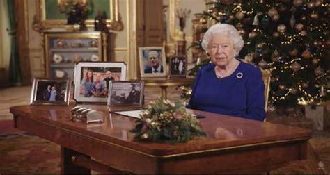 queen elizabeths annual christmas messages reveal importance  faith   life metro voice