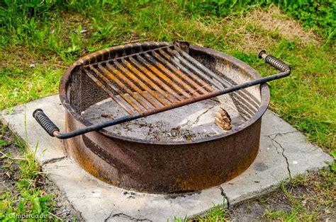 eisen feuerstelle feuer und grillen beim cing in kanada und usa cerco