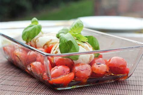 Tomate Mozzarella Anrichten by Grillen Eatbakelove