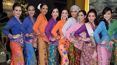 Kebaya Pelangi Jaya 20 20 kebaya contestants vying for 3 coveted crowns at