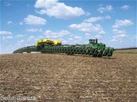 Largest Jd Mba Program In The Country by Deere S 48 Row Planter Wows Farmers Deere