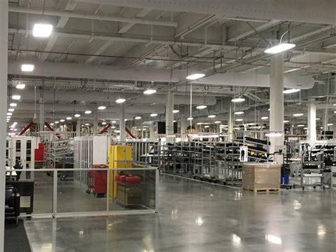 Tesla Gigafactory Nevada Tesla Officials Show Progress At Gigafactory In
