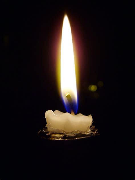 lume di candela free a lume di candela stock photo freeimages