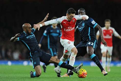 arsenal quiz 2016 17 epl 2016 17 manchester city and arsenal combined xi