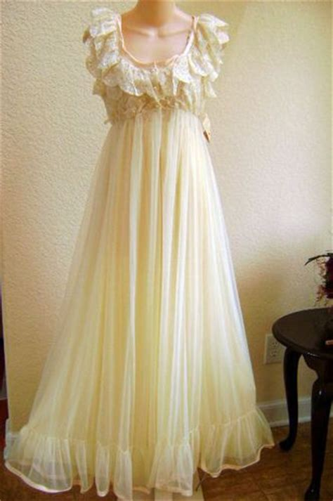 Maxi Sanira Tosca 307 best images about vintage nighties on lace nightgown vintage vanity and vintage