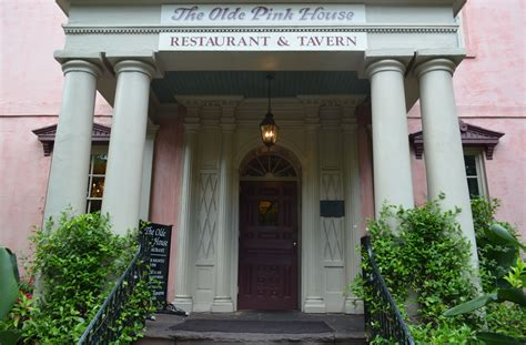olde pink house visit savannah georgia 10 things to do