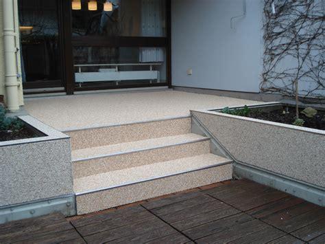 Terrasse Mit Stufen by Privat Steindesign Kieselbeschichtung Steinteppich