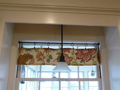 No Sew Valance Tutorial no sew hanging valance tutorial this weekend table runners and hardware