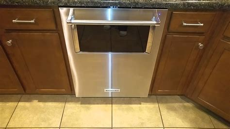 Kitchenaid Dishwasher Removal Kitchenaid Dishwasher With Window And Lighted Interior In
