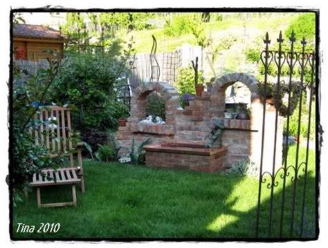 Deko Ziegelwand Garten by Alte Ziegelsteinmauern Im Garten Alte Steinmauern Im