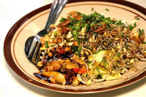 nasi lengko  barno gurih  nikmatnya kuliner cirebon