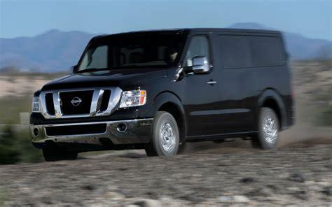nissan van 12 passenger 2013 motor trend truck of the year contender nissan
