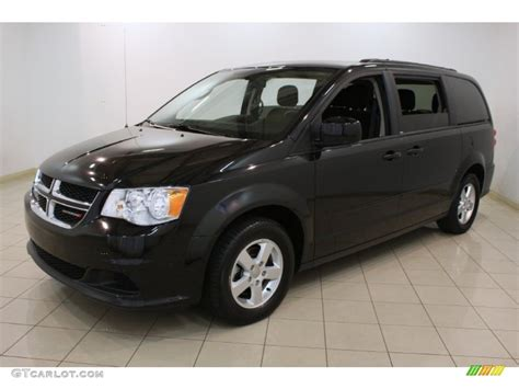 black dodge caravan brilliant black pearl 2012 dodge grand caravan sxt