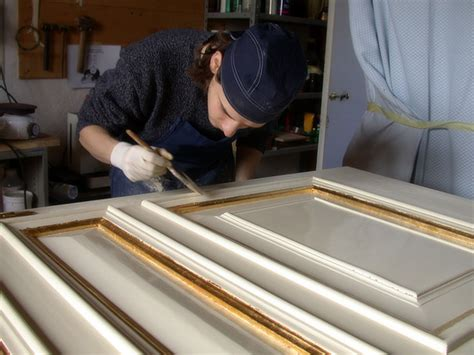doratura cornici ripresa restauri restauro mobili antichi porte legno