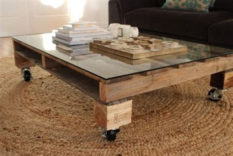 pallet coffee table 15 beautiful diy coffee tables
