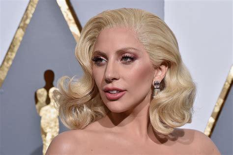 Lada Gaga Gaga To Headline 2017 Bowl Halftime Show