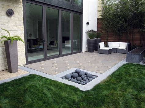 modern landscaping ideas for small backyards low maintenance backyards landscaping network