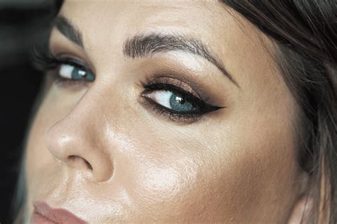 Original 100 Milani Eyeshadow Smokey Essential pixi it s eye time eyeshadow palette smokey eye tutorial louise makeup