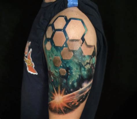 3d tattoo hexagons optical illusion tattoos reveal worlds beneath skin by