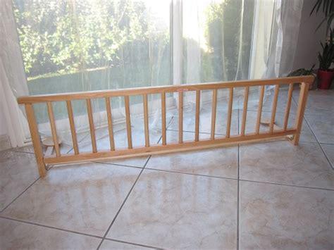 barriere lit bois barriere de lit en bois combelle 127x37 xm aukazoo