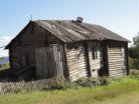 file big nice wooden house jpg wikimedia commons file old wood house in manga pryazhinsky district jpg