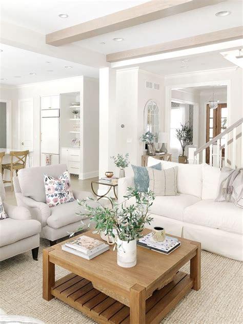 neutral living room benjamin moore classic gray wool