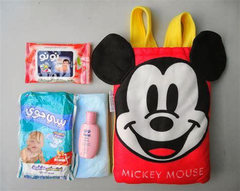 Selimut Karakter Mickey Mouse Merah amenity airlines koleksi die cast model pesawat dari