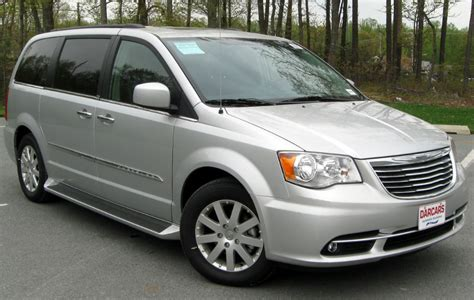Chrysler Town And Country 2013 by 2013 Chrysler Town And Country Touring Wallpaper