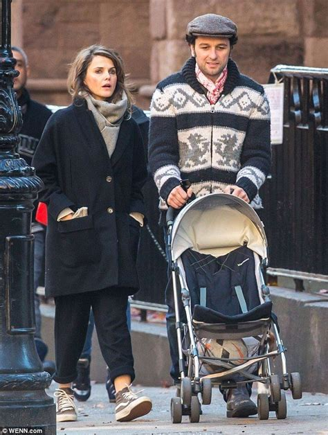 matthew rhys parents keri russell and matthew rhys play happy families with her