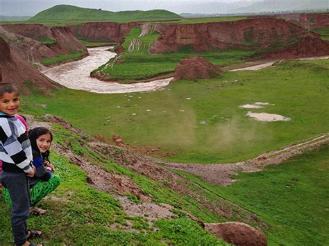 lada sveglia back to tajikistan ritorno nella terra dei pastori