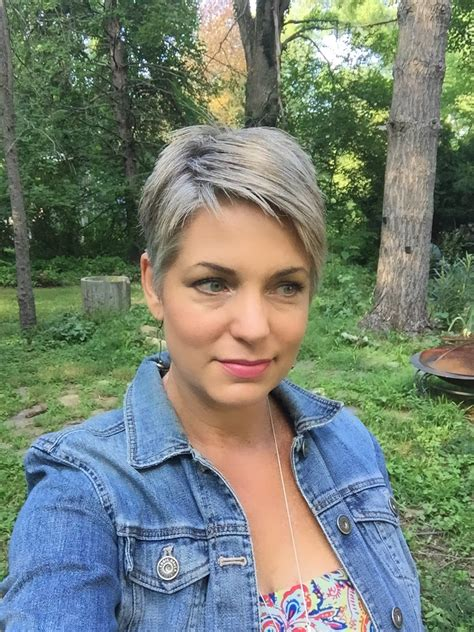 short salt and pepper hair stephanie weisend short gray hair short gray pixie