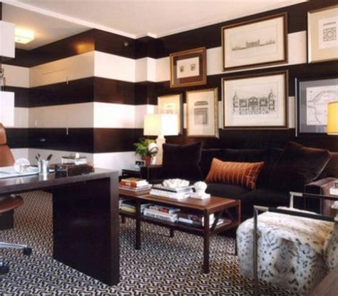 8 magnificas oficinas con paredes en marr 243 n chocolate