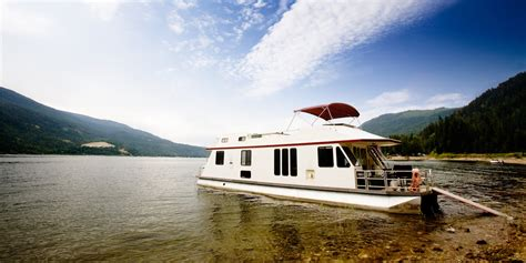 living on a houseboat in australia 14 reasons why life is better on a houseboat huffpost